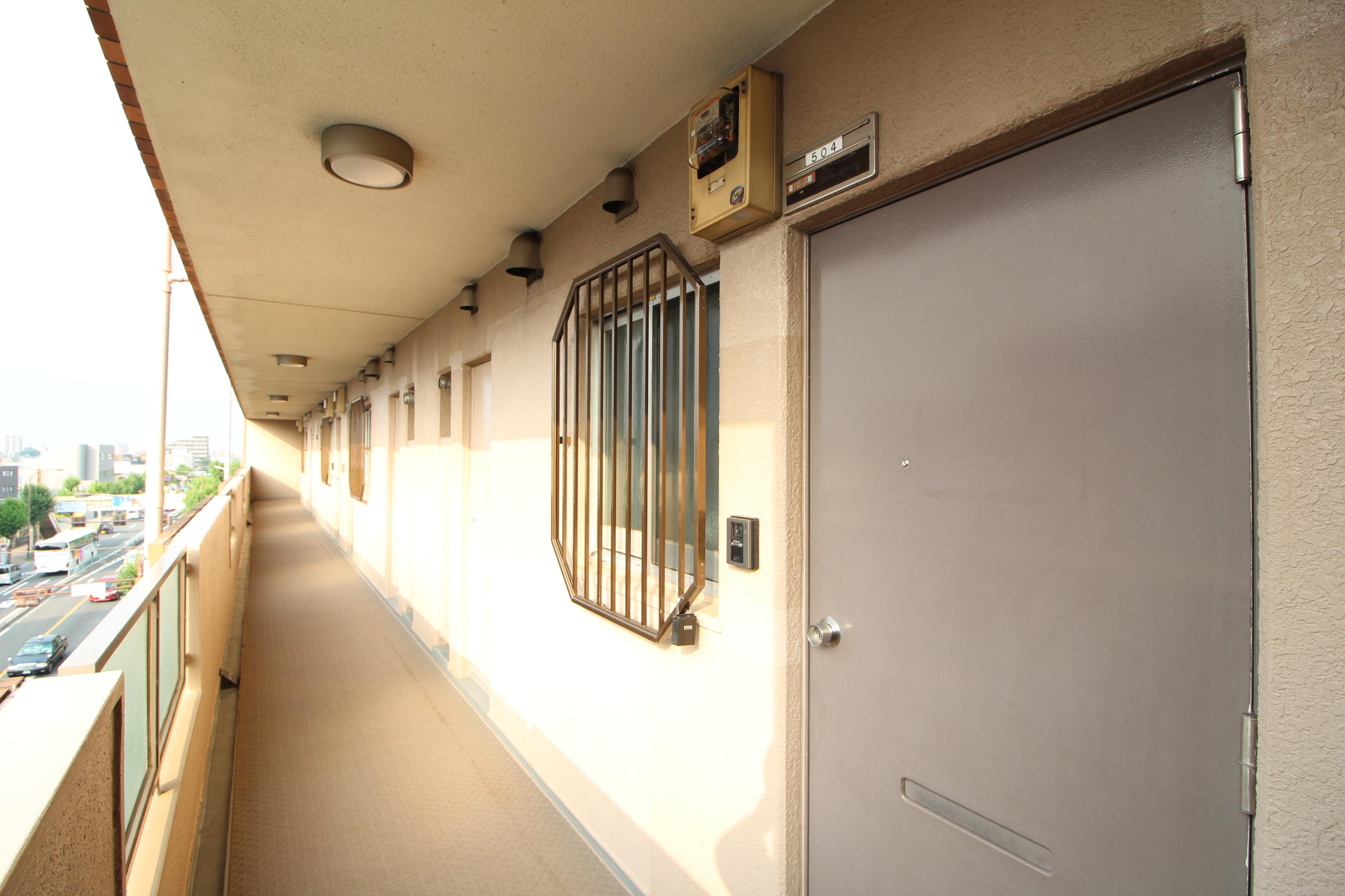 ルシェール江古田5階共用廊下2