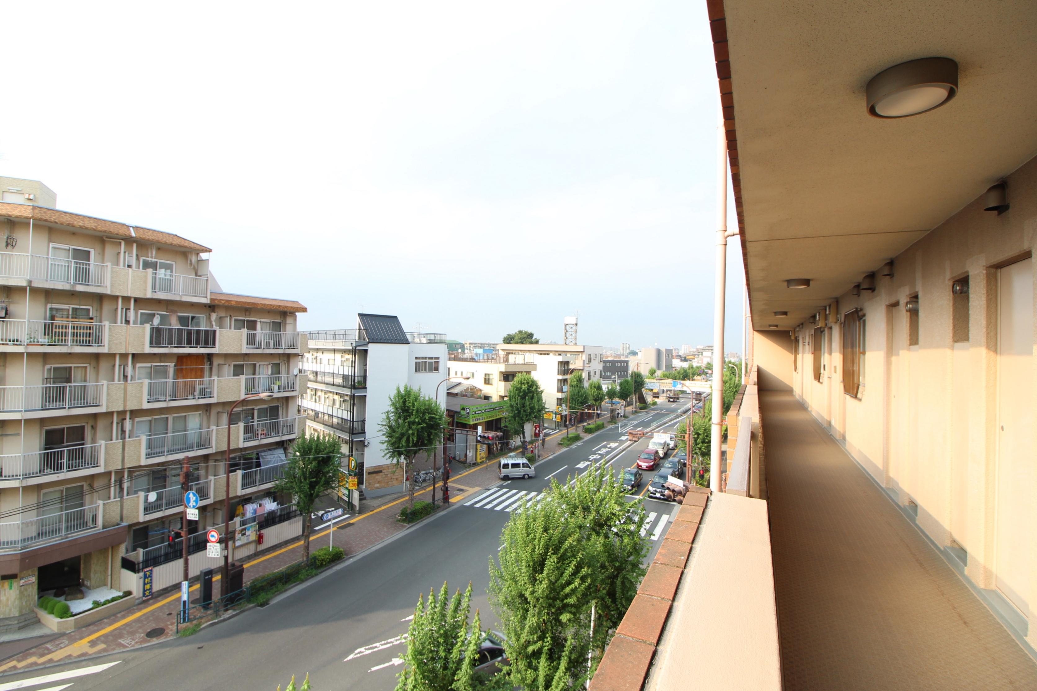 ルシェール江古田5階共用廊下からの景色